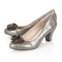 Intrigue court shoes