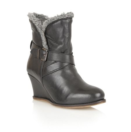 Lotus Cove ankle boots