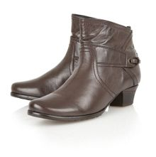 Wonder ankle boots