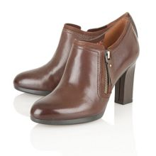 Naturalizer Annabell ankle boots