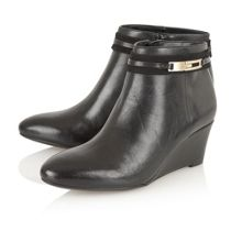 Naturalizer Quimby wedge ankle boots