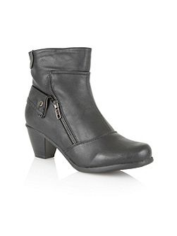 Viper ankle boots