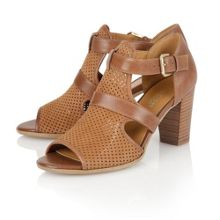 Naturalizer Draft laser cut sandals