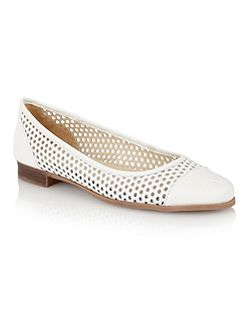 Bellana round toe shoes