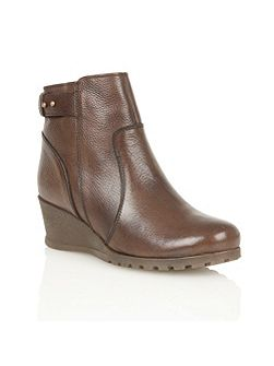 Shard ankle boots