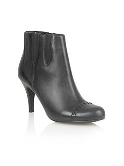 Bea ankle boots