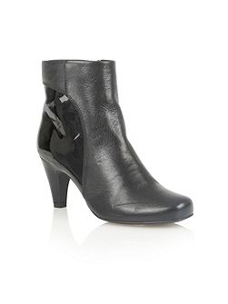 Consuelo ankle boots