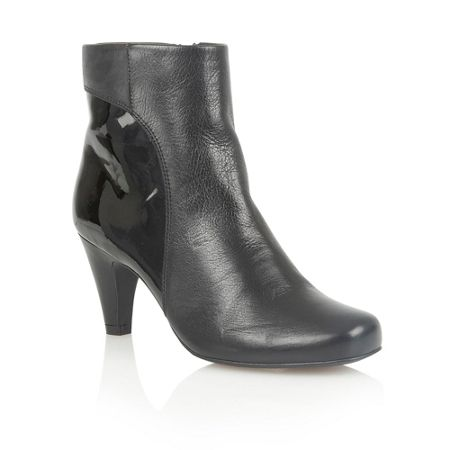 Lotus Consuelo ankle boots