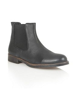 Falcon ankle boots