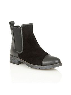 Jessalyn ankle boots