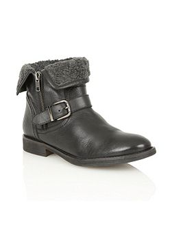 Annabeth ankle boots