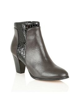 Lorny ankle boots