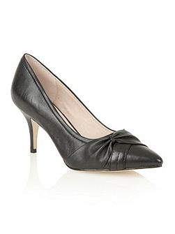 Drape court shoes