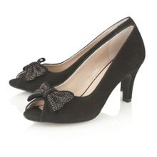 Bernadette court shoes