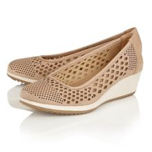 Naturalizer Brelynn laser cut wedges
