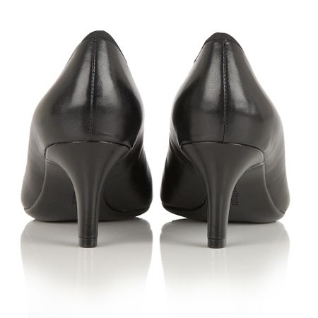 Naturalizer Oath court shoes