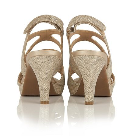 Naturalizer Pressley strappy sandals