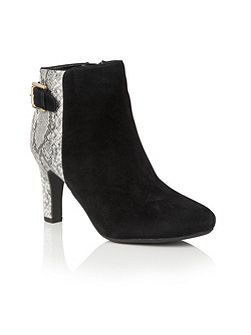 Kanon animal print ankle boots