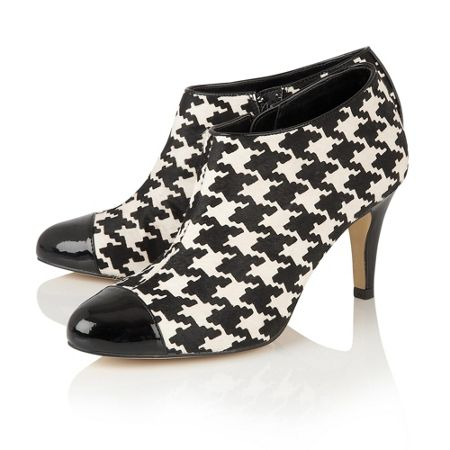 Lotus Hana dog tooth print shoe boots