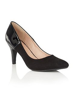 Betulia pointed toe courts