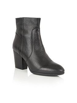 Verbena leather ankle boots