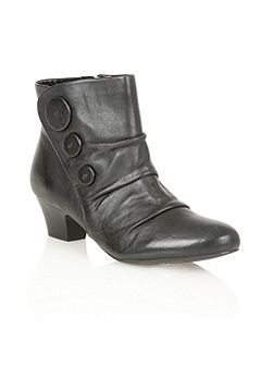 Brisk leather ankle boots