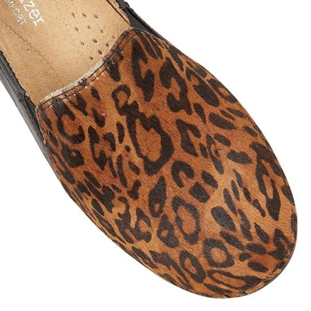 Naturalizer Karah animal print flats