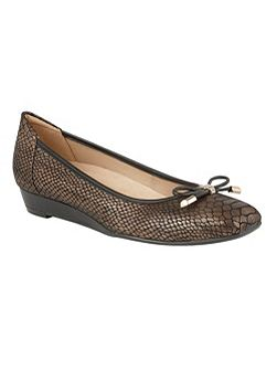 Dove ballet style flats