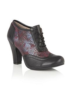 Hallmark Kale lace up shoe boots