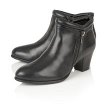 Lotus Ivoire ankle boots