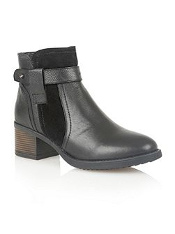 Makayla ankle boots