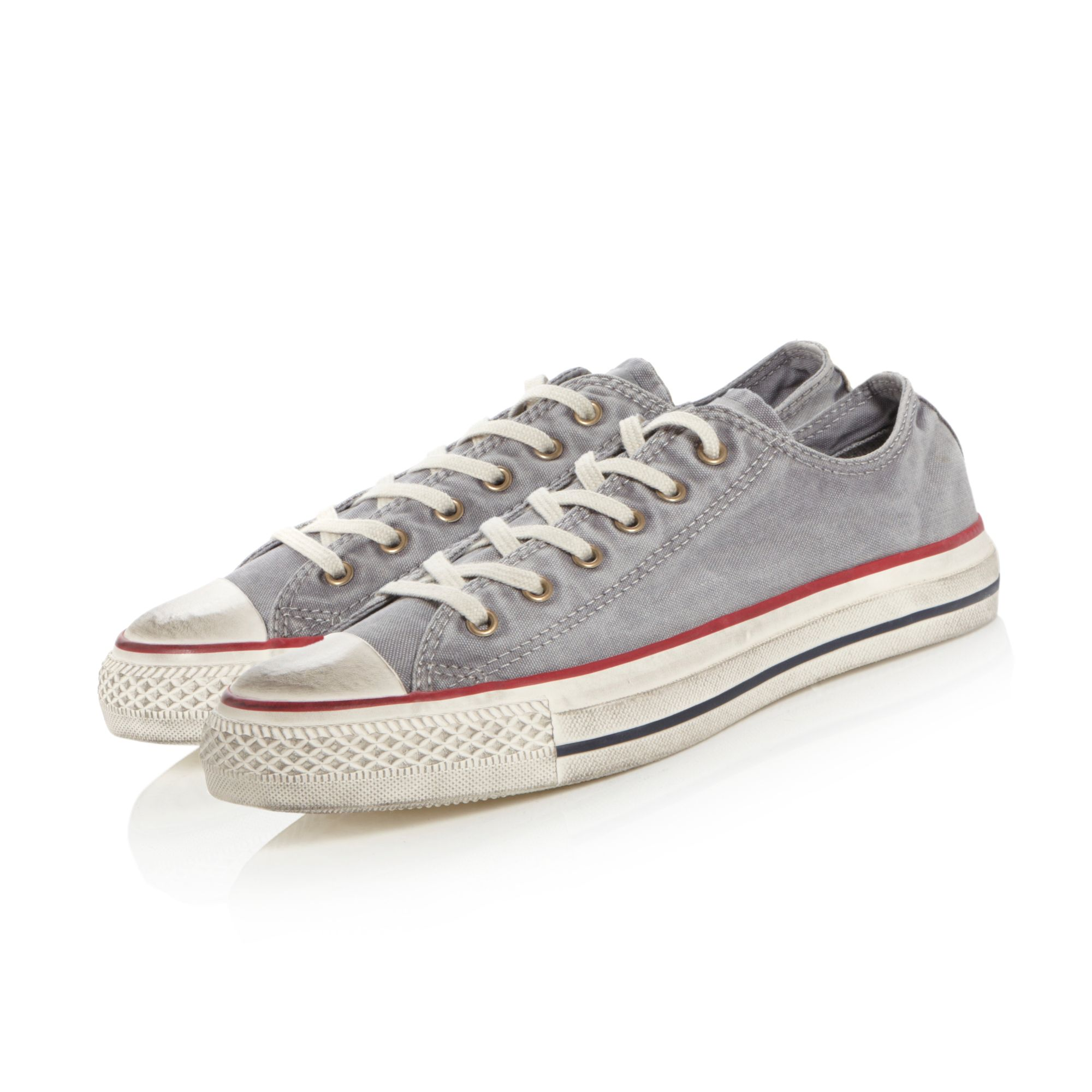 136713C washed low trainers