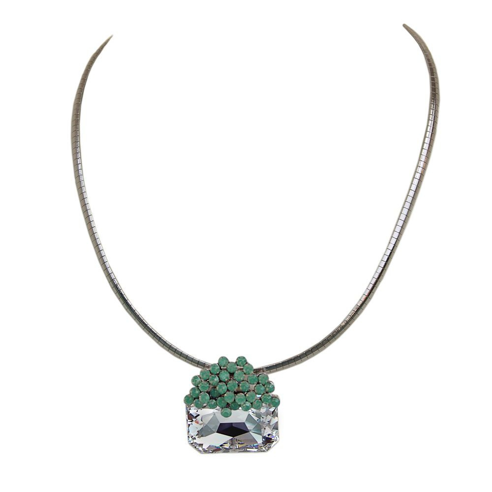 Deeba necklace