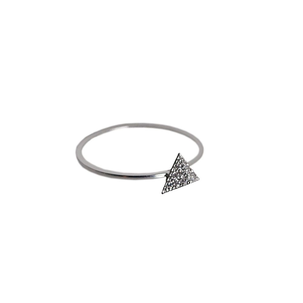 Layered triangle ring