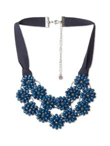 Short Flowery Necklace