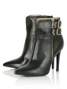 Inkwell  pointed ankle boots