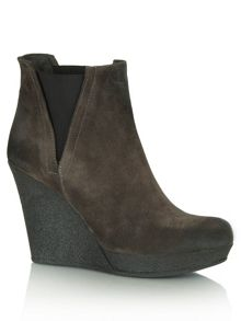Suede fluent  wedge chelsea boots