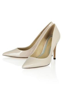 Aysgarth pointed court shoes