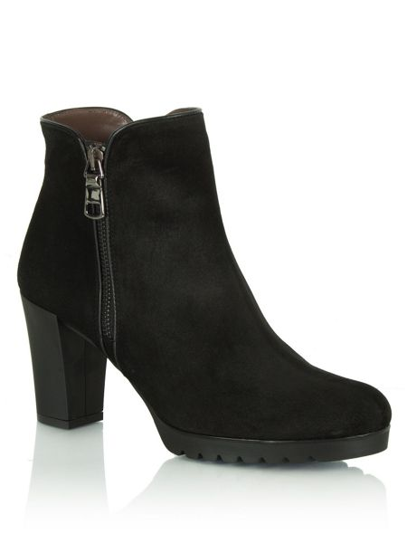 Daniel Commited  heeled ankle boots