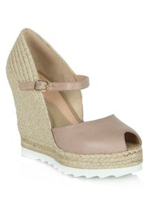 London bridge sporty wedge sandals