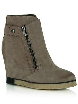Adorable two zip wedge ankle boots