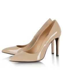 Modest patent pointed court shoes