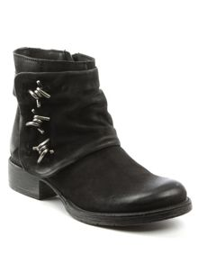 Daniel Magsy barbed chunky ankle boots
