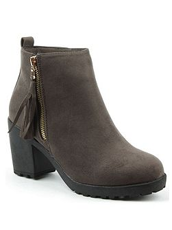 Beckside tassel ankle boots