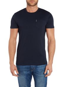 Classic crew neck pocket t-shirt