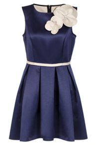 Quiz Navy And Cream Flower Dip Hem Dress