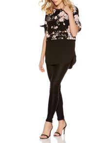 Quiz Black And Blush Floral Hem Top