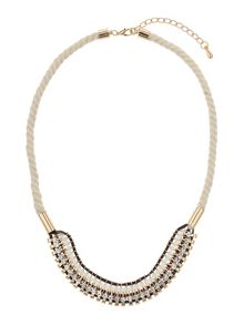 Multi lines twisted choker