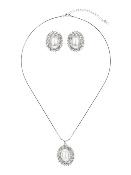 Mikey Large pearl centre marquise crystal set
