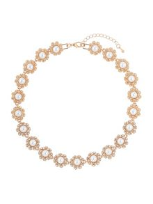 Daisy flower pearl linked necklace
